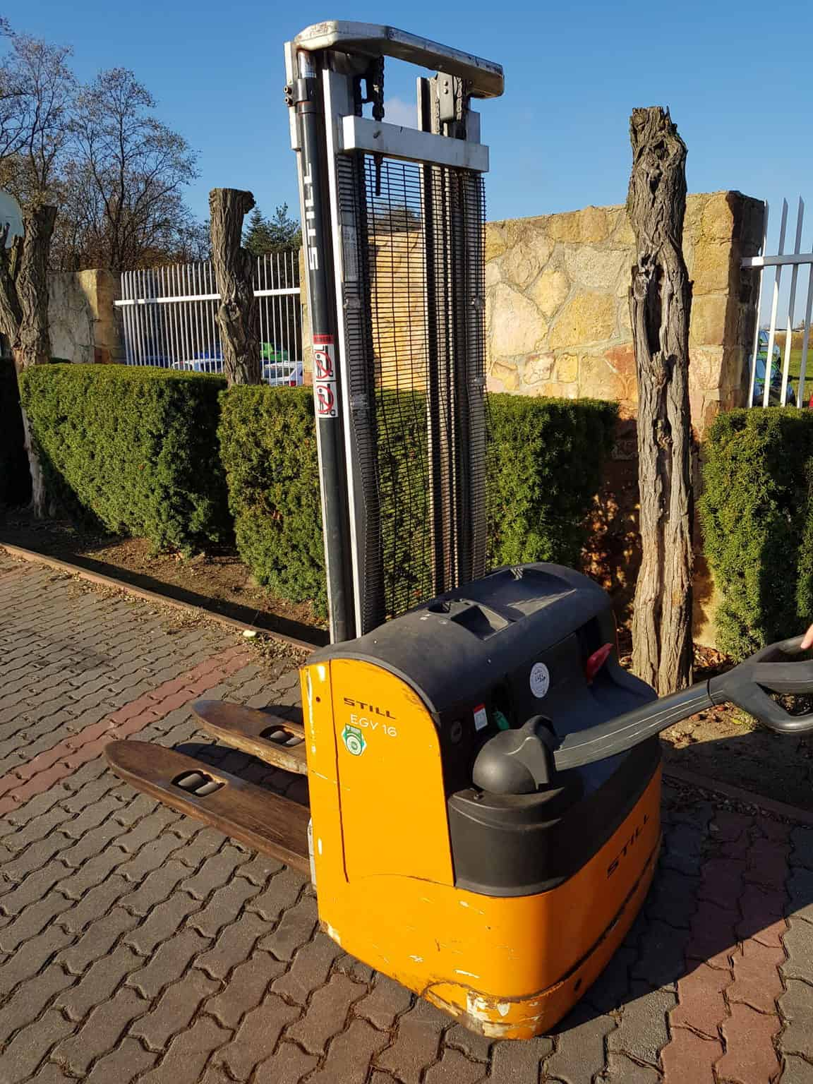 Elektryczny wózek podnośnikowy STILL EGV16 używany 2