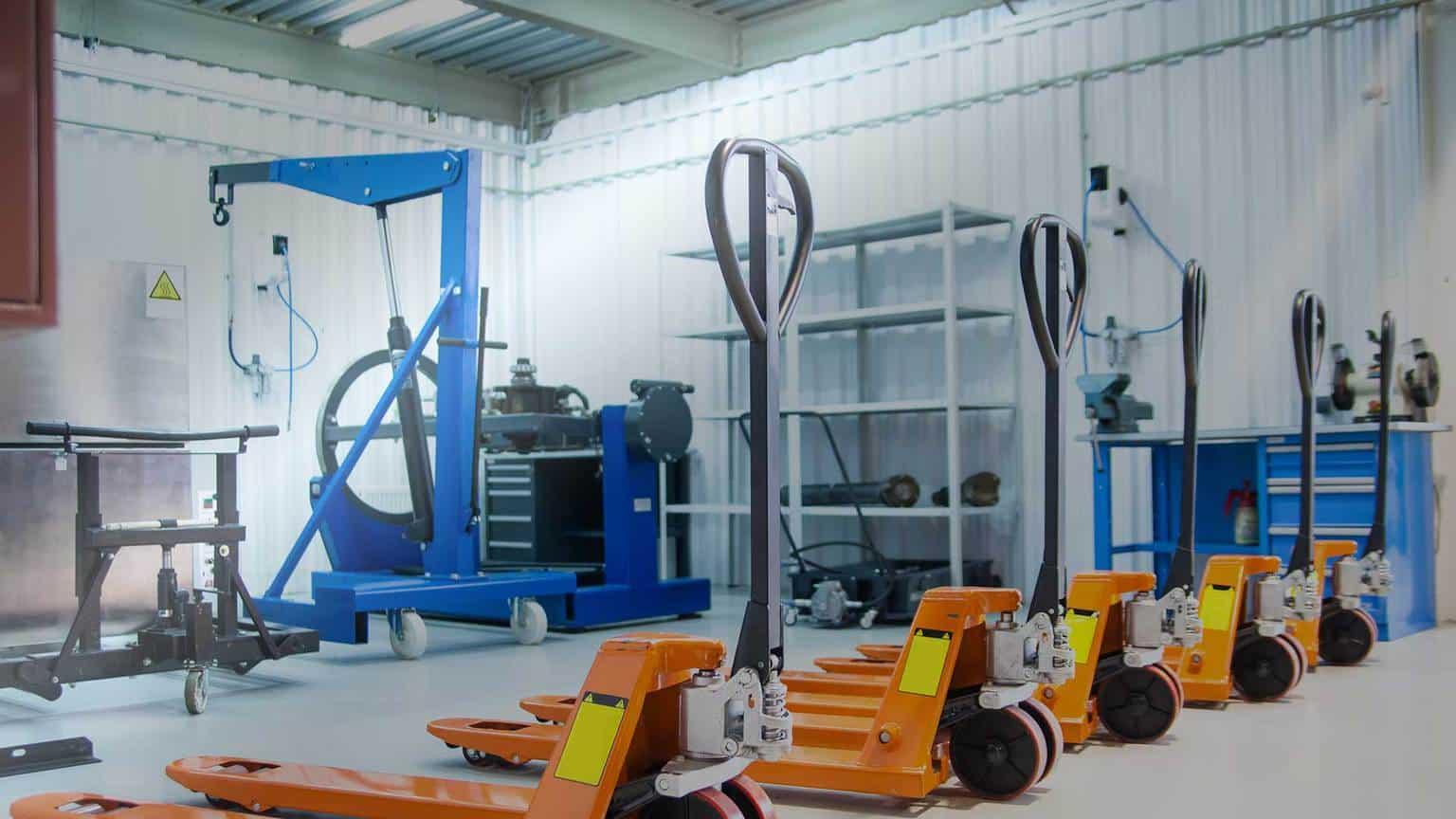 Centrum serwisowe wózków widłowych i podestów ruchomych 1